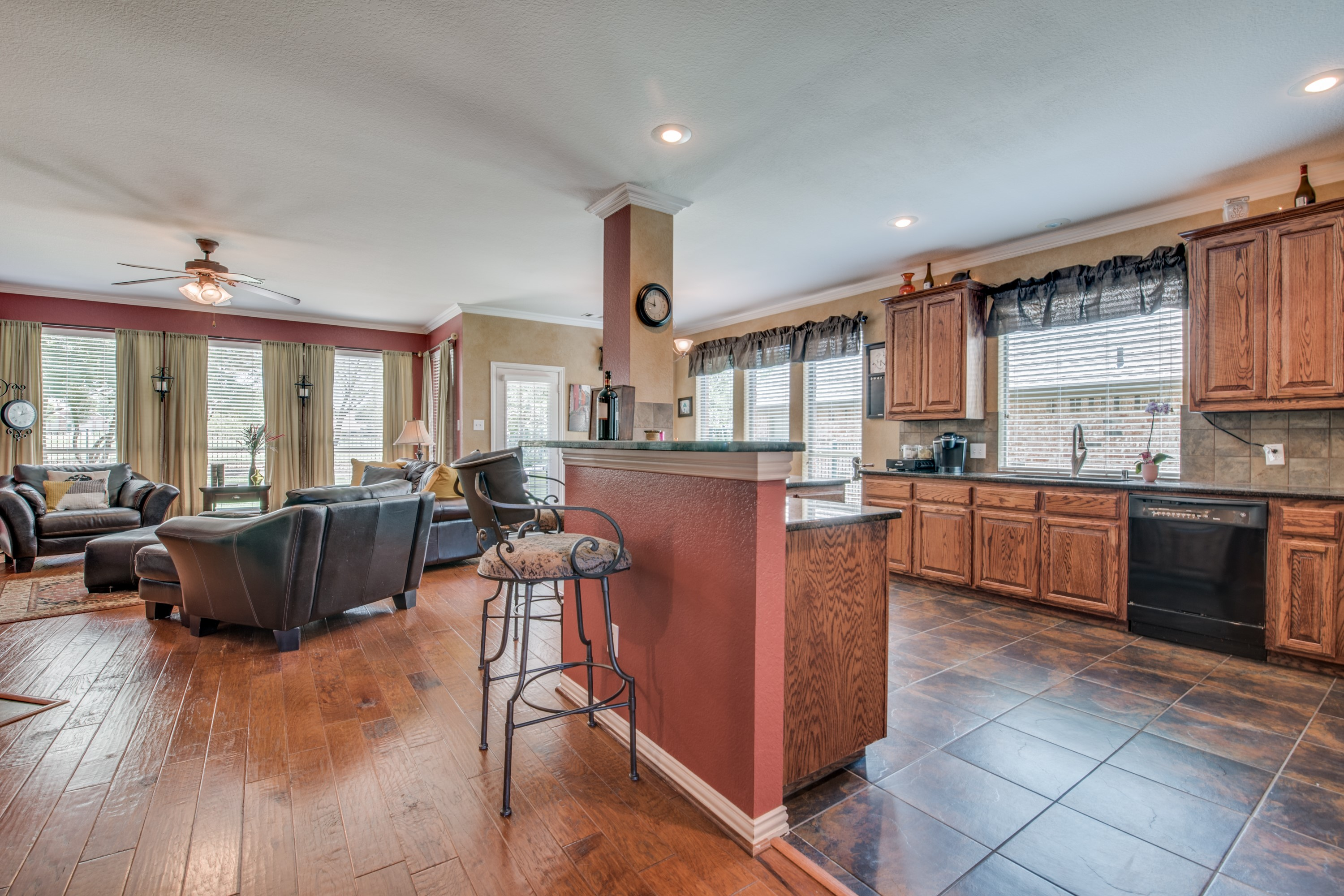11422 Tenison kitchen