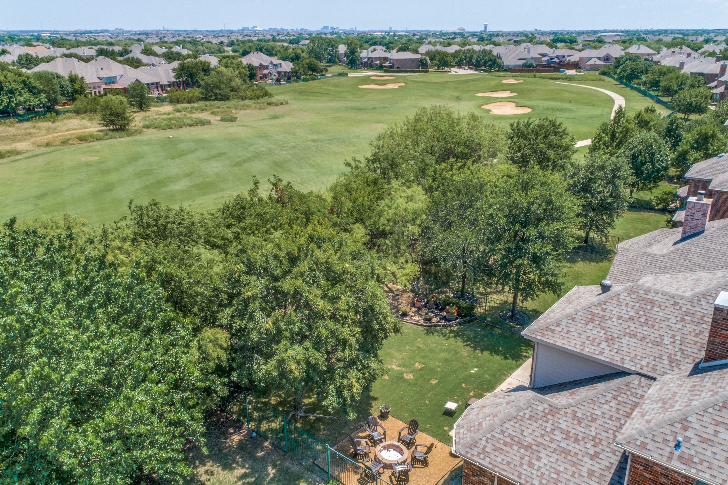 Arieal view tenison golf
